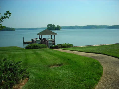 Lake Club condo's or condominiums townhouses on Lake Wylie in Rock Hill SC waterfront Lake Wylie real estate for sale