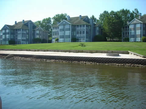 Lake Club condo's or condominiums townhouses on Lake Wylie in Rock Hill SC waterfront Lake Wylie